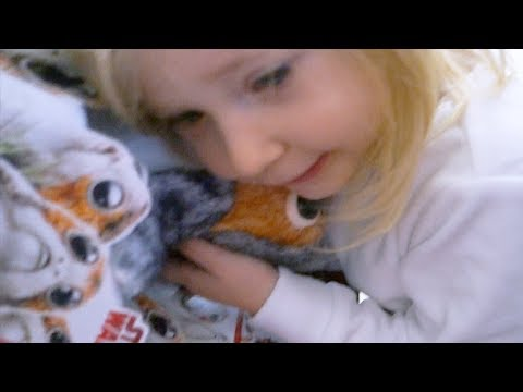 Cute Girl Reacts to Adorable STAR WARS Robotic Porg Baby