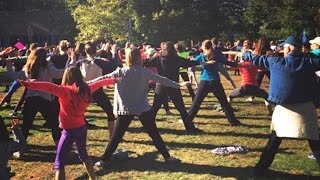 300 Women In Yoga Pants PROTEST Article | What's Trending Now