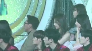 TWICE SANA REACTION TO BTS SPRING DAY PERFORMANCE AT GDA 2018