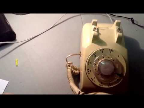 Vintage 1980's beige western electric model 500 rotary telephone