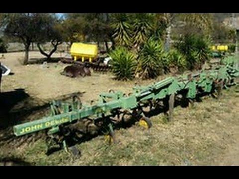 John Deere Cultivator (NOT 4 SALE)