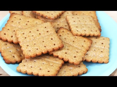 How to Make Homemade Graham Crackers!