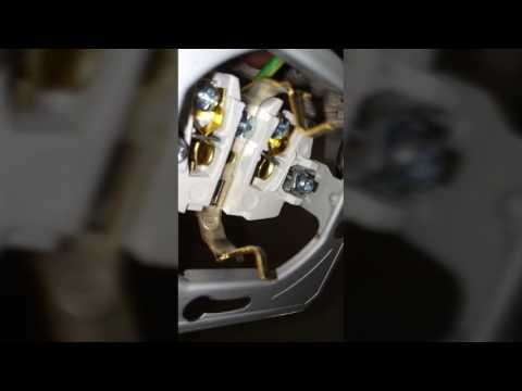 How to replace an old electrical outlet 220/240 Volts European - Wall socket replacement EU