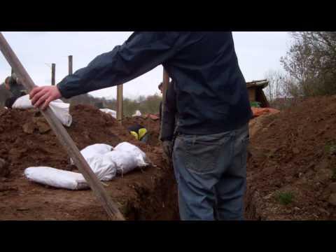 Root Cellar maken in Fruittuin de Ooijgaard.