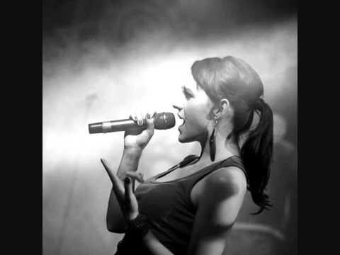 Smolik feat. Kasia Kurzawska  - NEVER SING THE LOVE SONGS (live @ Chilli ZET)
