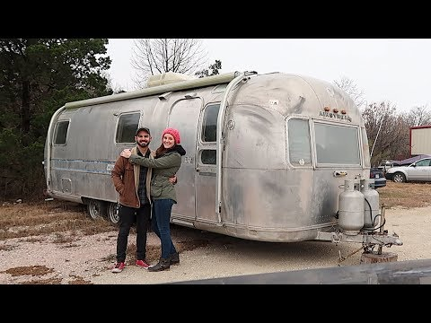 Living in an Airstream - We Bought Our Airstream! - 1973 Ambassador - S2E31