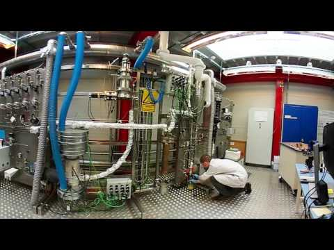 Scientists turn wood into biofuel at DTU Chemical Engineering's pilot plant (360 video)
