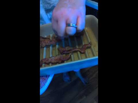 Cooking Bacon in the Small Ridged Baker