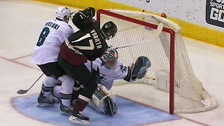 Dell makes fantastic save to rob Vrbata on goal line
