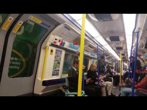 London Underground Journey from Kings Cross/St. Pancras to Holborn via Piccadilly Line