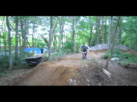 Pumptrack wall ride berm