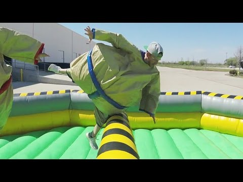 Giant Sumo Battle | Dude Perfect