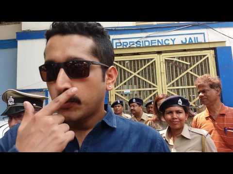 Parambrata Chatterjee visits Presidency jail, impressed by inmates' craftsmanship