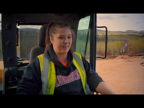 Tony Beets's All-Woman Crew Gets To Work | Gold Rush