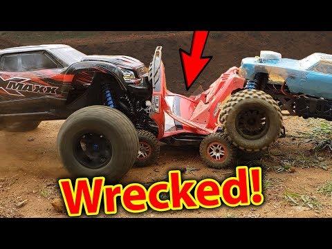 RC Car FULL ON Demolition Derby - Traxxas X-Maxx + HPI Savage  Kills Slash 4x4