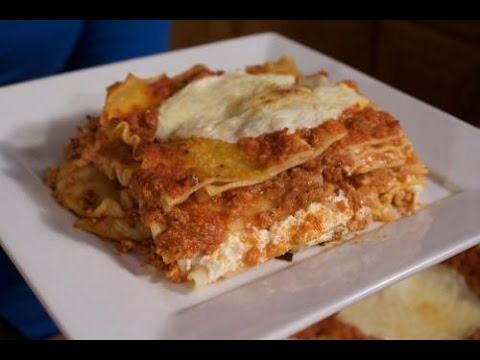 Classic Three Cheese Lasagne -  Rossella's Cooking with Nonna