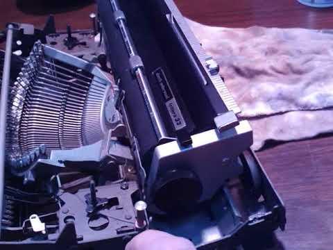 Don't WD40 Typewriter's Mechanisms