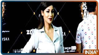 TV celebrities glitter at red carpet of an award function