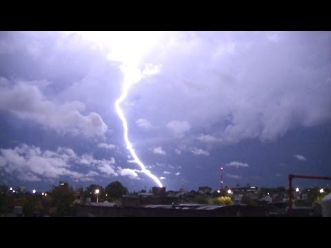 Lluvia de Rayos HD - Gran actividad electrica previa a la tormenta #yallueve #LlueveEn