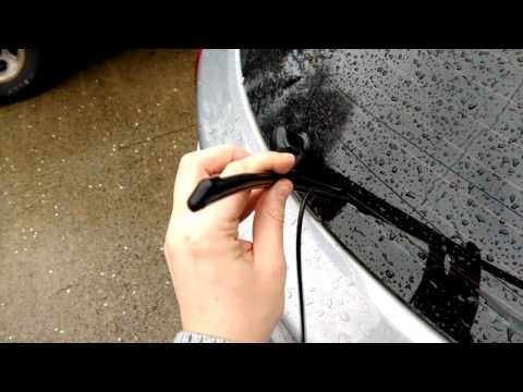 How to change Rear Wiper Blade on 2013-2016 Hyundai Elantra GT i30 (HD)