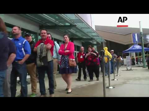 NRA Members Line Up to Hear Trump at Convention