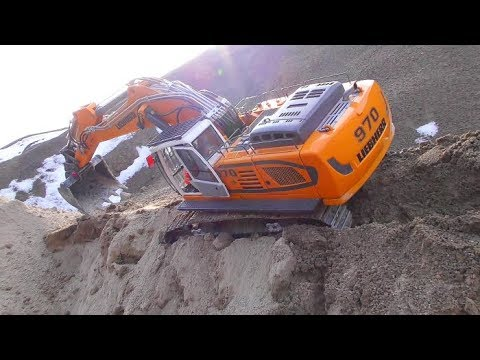 LIEBHERR 970 DIGGER IN DANGER! HORRIBLE DRIVE WITH THE EXCAVATOR! COOL RC TOYS IN ACTION PART 1