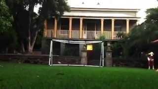 فيديو طرائف مضحكة لكرة القدم سوء حظ اللاعبين  هفوات في كرة القدم
