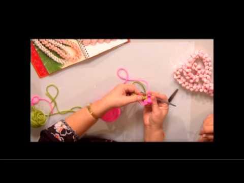 The Joy of Crafting 158/3 - Crochet Rosebud Lei
