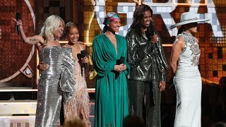 Download Michelle Obama makes surprise appearance at the Grammy Awards Video