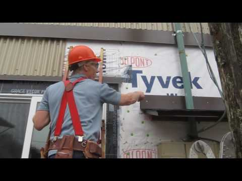 How to measure and mark metal siding for cutting