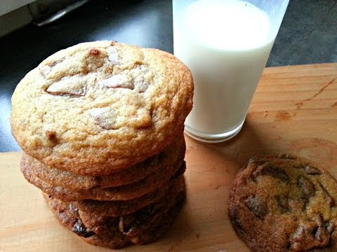 How to make the BEST Chocolate Chip Cookies EVER!