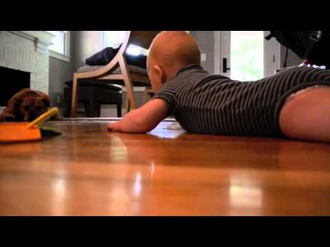 Pre crawling : Encouraging hands and knees