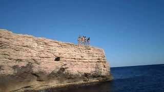 Saut de l'ange de la falaise de Carro (Jérémy 10 ans)