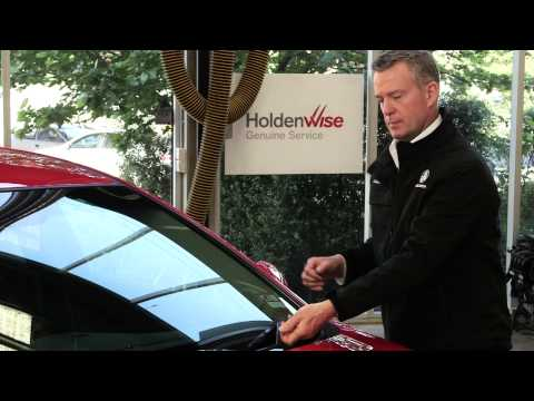 How to clean your windscreen - Holden Vehicle Maintenance 101