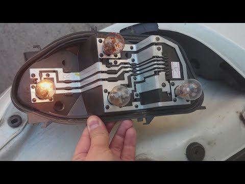 How to Change Stop/Tail Light On Renault Clio 2007