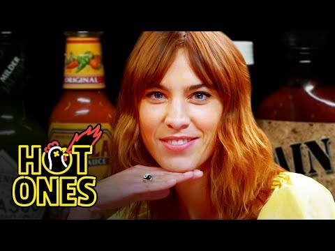Xxx Mp4 Alexa Chung Fears For Her Life While Eating Spicy Wings Hot Ones 3gp Sex