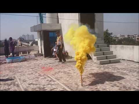 Holi Colour Smoke Bomb | Holi Colour Crackers | Holi Celebrations 2018 in Delhi India