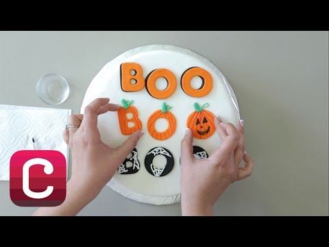 The Wilton Method: How to Make Fondant Letters with Stephanie Michel | Creativebug