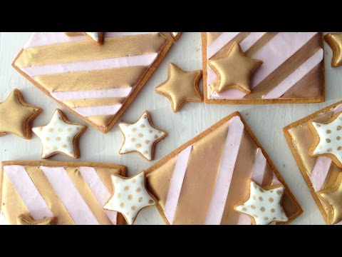 Gold Stars and Stripes! {Decorating Cookies With Royal Icing And Edible Gold Pearl Dust}
