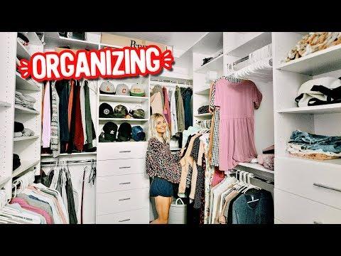 CLEANING & ORGANIZING MY CLOSET!