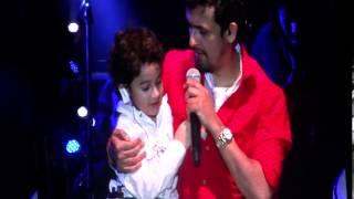SONU NIGAM WITH HIS SON IN DUBAI CONCERT 2013