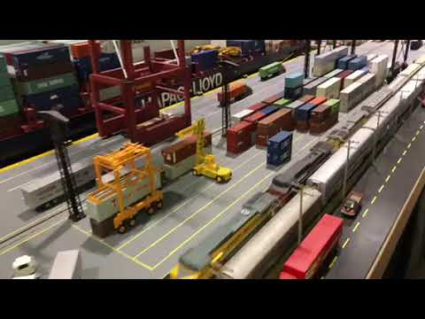 Bakersfield Train Show Ho modular layout