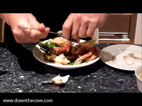 How to eat a crab claw