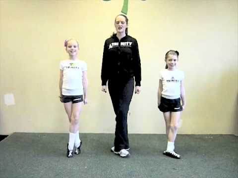 How to dance the Irish Reel with Trinity Irish Dancers