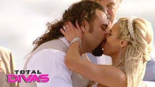 Rusev and Lana are married on the beach in Malibu: Total Divas, Jan. 25, 2017