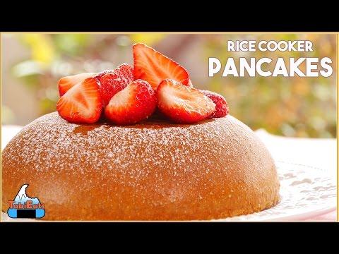 Rice Cooker Pancake with Strawberries (Easy Recipe)【超簡単】炊飯器で作るパンケーキ!