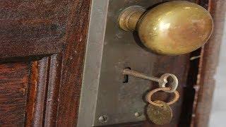 С 1939 года квартиру никто не открывал!  Зайдя внутрь спустя 70 лет, люди потеряли дар речи!