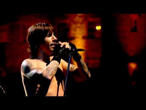 Red Hot Chili Peppers - Under the Bridge - Live at Slane Castle