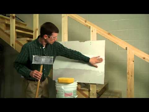 Finishing a Drywall Joint STEP 4