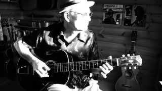 Fingerpicking Blues Lesson - Cakewalk into Town (Taj Mahal cover